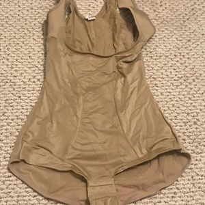Maidenform Nude Slimming Full Body Shaping Suit
